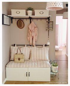 Tuki&Apple Home: DIY: Cómo hacer nuestro propio recibidor – Kallax Ideas 2020 Cheap Home Decor, Diy Home Decor, Room Decor, Home Interior, Interior Decorating, Interior Design, Decoracion Low Cost, Apple Home, Home Organization