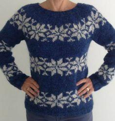 Sarah Lund Sweater i blå med lyse grå stjerner