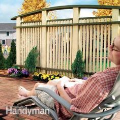 Build Outdoor Privacy Screen – Would you like moments to yourself on the patio? Then build outdoor privacy screen areas for those times. Backyard Privacy Screen, Outdoor Privacy, Privacy Screens, Garden Privacy, Outdoor Decking, Privacy Fences, Outdoor Living Areas, Outdoor Spaces, Outdoor Decor