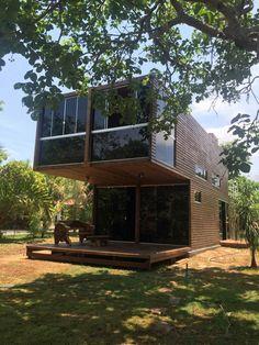 Casa Container Chapada dos Guimarães. Fabricado por: Moducon Containers e Projetos Especiais - Itajaí/SC - 047 3344-5641 WhatsApp: 047 9909-3436