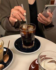 I Love Coffee, Hot Coffee, Iced Coffee, Coffee Drinks, Coffee Cafe, Coffee Shop, Coffee Bread, Aesthetic Coffee, Brown Aesthetic