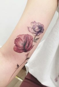 Watercolor rose and poppy by tattooist flower korean tattoo artist, poppies tattoo, watercolor flower Foot Tattoos, Body Art Tattoos, Small Tattoos, Beautiful Flower Tattoos, Pretty Tattoos, Inspiration Tattoos, Tattoo Ideas, Korean Tattoo Artist, Poppies Tattoo
