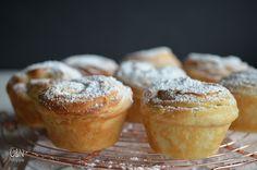 Überall & Nirgendwo: Cruffins aus der Pastamaschine! Was für ein saugenialer Trick! Und warum die Fotos hier auf dem Blog mein echtes Leben zeigen....denn zack waren die Cruffins auch schon wieder weg!