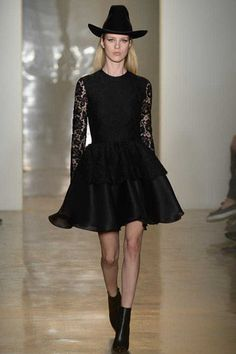 Cushnie et Ochs Fall 2014 Ready-to-Wear Collection Slideshow on Style.com