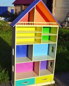 Домик-стеллаж для детской комнаты