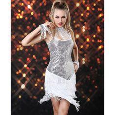 Carnaval 2014 Vestido Bolero Paetê Branco Franjas  Vestido em franja branco com brilho paetê da Coleção Carnaval 2014. Frete Grátis para todo Brasil. Confira em nossa página! Loja OZIRIS. R$188,30  #carnaval #vestidocarnaval #vestido2014, #vestidofesta #vestidofranja #vestidobranco #vestidobrilho #paete #lojaoziris #moda #franja #modafeminina #verao #brilho #sexy #prata