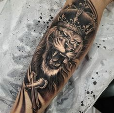 Lion Tattoo With Crown, Lion Head Tattoos, Forarm Tattoos, Mens Lion Tattoo, Cool Forearm Tattoos, Forearm Tattoo Men, Leg Tattoos, Body Art Tattoos, Cool Tattoos