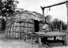 Rosan Potts (Ke-o-ko-mo-quah). Traditional birch bark wigwam home in background. Mayetta, Kansas, May 1936 Native American Images, Native American Tribes, Native American History, Native Indian, Native Art, First Nations, Old Photos, House, Indian Reservation