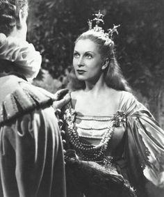 Josette Day as Belle, La Belle et la Bête (1946)