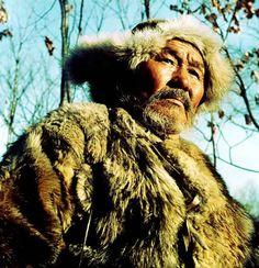 Dersu Uzala is a 1975 Oscar-winning adventure drama film by Japanese master filmmaker Akira Kurosawa based on the memoirs of a Russian explorer Vladimir Arsenvev. Love Posters, Film Posters, Akira, 1970s Movies, Toshiro Mifune, Movie Characters, Fictional Characters, Drama Film, Film Serie