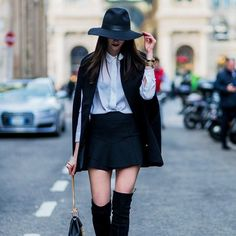 How to wear a cape: monochrome in milan