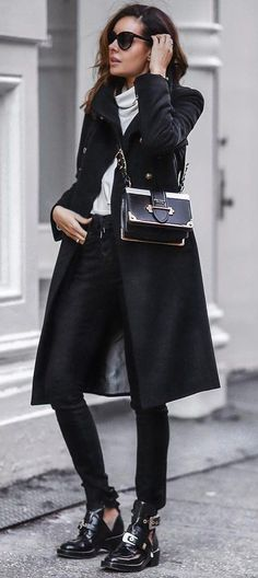 how to style a coat : top   bag   black skinnies   boots