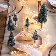 Awesome Christmas DIY Snowy Tree Winter For Table Decoration 23 Mini Christmas Tree Decorations, Homemade Wedding Decorations, Flocked Christmas Trees, Christmas Lights, Christmas Ornaments, Christmas Tablescapes, Diy Snow Globe, Snow Globes, Retro Christmas
