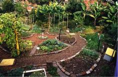 In United States alone, landscaping is big business. People spend over $30 billion each year making their homes more appealing using traditional landscaping techniques. When you factor in DIY lan...