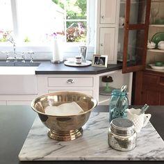 houseno214 (House No.214) Napkins in a bowl