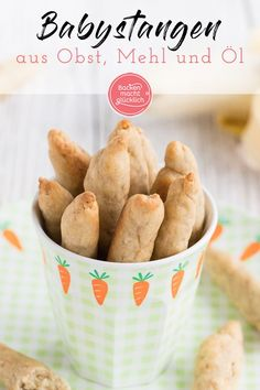 Recipes Snacks Kids Very simple recipe for healthy snack bars without sugar and egg. The baby bars are a great snack for small children and encourage chewing. The healthy spelled sticks taste slightly sweet due to the fruit. Healthy Snack Bars, Healthy Sweet Snacks, Healthy Kids, Happy Healthy, Baby Food Recipes, Gourmet Recipes, Snack Recipes, Healthy Recipes, Egg Recipes