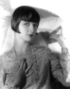 Louise Brooks portrait from the c. 1927 Speckled Dress Session by George P. Hommel.
