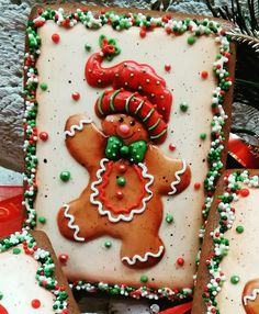 Happy little gingerbread boy by Teri Pringle Wood. Makes me smile! Christmas Biscuits, Christmas Sugar Cookies, Christmas Gingerbread, Holiday Cookies, Gingerbread Cookies, Fancy Cookies, Iced Cookies, Cupcake Cookies, Cupcakes
