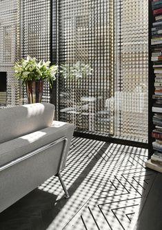 Interesting window screen Australian Interior Design, Interior Design Awards, Interior Decorating Styles, Home Interior Design, Interior Architecture, Interior And Exterior, Lounge Design, Melbourne Apartment, European Home Decor
