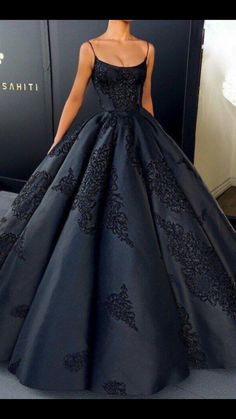 94c43aa7173f81 2018 Ball Gown Prom Dress Modest Beautiful Vintage Cheap Long Prom Dress