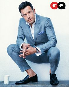 Ben Affleck for GQ Magazine ☆Style//growing old beautifully! Ben Affleck, Sharp Dressed Man, Well Dressed, Suit Fashion, Mens Fashion, Style Fashion, Estilo Cool, Mode Man, Look Formal