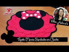 Capa p/ Tampa de Vaso Minnie Rendado em Crochê 1/2 - YouTube Plaid Crochet, Crochet Diy, Filet Crochet, Crochet Hats, Minnie Mouse, Crochet Videos, Tissue Boxes, Crochet Flowers, Crochet Projects