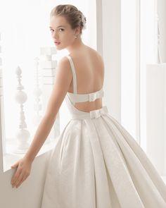 Nazar traje de novia en encaje y muselina de seda.