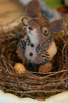 Bespectacled mouse in nest by Susan of Mousedroppings