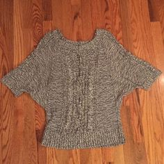 LOFT sweater Like new gray and white sweater! So soft. Size Large. From The Loft! LOFT Sweaters Crew & Scoop Necks
