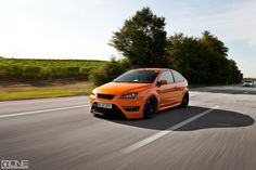 Ford Focus ST mk2 Electric Orange