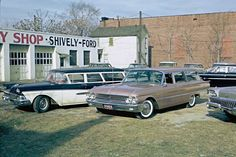 """"""" Ford wagons down at Shively's… """" When station wagons ruled. 1961 and that greenish is probably a wagon too…… """" Used Car Lots, Used Cars, Wagon Trails, Beach Wagon, Station Wagon, Drag Racing, Car Pictures, Vintage Cars, Vintage Auto"""