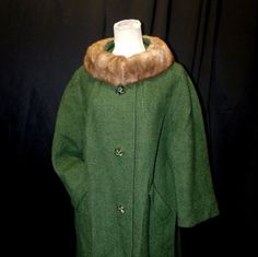 Vtg 50s Woodcrest Green Boucle Wool Coat With Fur Collar & Rhinestone Buttons L #Woodcrest #vtg #50s #1950s #WinterCoat #FurCollar #BlouceWool #OliveGreen #3/4Sleeve #RhinestoneButtons #emeralds #large #ButtonUp #MothballHavenVintageThreads #GVS Team