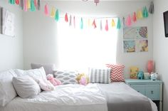 I adore this room, click to see the whole thing! Adorable!