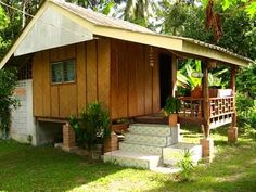 house rules for teenagers Wooden House Design, Bamboo House Design, Tropical House Design, Modern Small House Design, Simple House Design, Tiny House Design, Hut House, Tiny House Cabin, Cottage Style House Plans