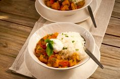 Savor a home-cooked and vegetarian-friendly meal with your loved ones! Our slow-cooker sweet potato curry is high in flavor, but low in calories, fat and sodium.The yogurt adds a bit of protein an…