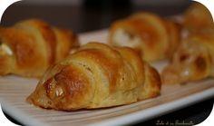 Mini croissants au chèvre et miel