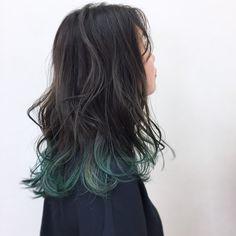 New black hair balayage asian ash Hair Color Streaks, Ombre Hair Color, Hair Color Balayage, Hair Highlights, Peekaboo Hair Colors, Green Hair Colors, Black And Green Hair, Hair Color For Black Hair, Dipped Hair