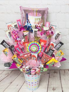 Donna's Custom Gift Creations offers custom gift arrangments or any occasion. Bff Birthday Gift, Birthday Candy, Happy Birthday, Candy Bouquet Diy, Diy Bouquet, Cute Ideas For Boyfriend, Boyfriend Gifts, Diy Gifts Videos, Girl Gift Baskets