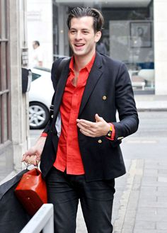 Black and red male outfit Mark Ronson, Style Icons, Suit Jacket, Mens Fashion, Blazer, Suits, Arcade, Jackets, Birds