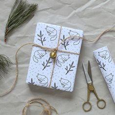 Un papier qui incite à ouvrir les cadeaux en pleine conscience il est tellement joli