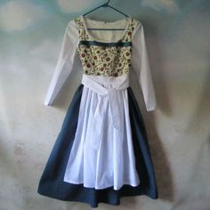 Girl's Belle Dress/Dirndl & Apron: Beauty And The Beast