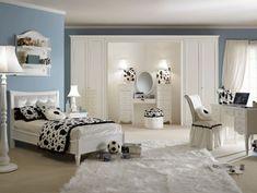 Theme design teen bedroom - blue/white/ black/soccer