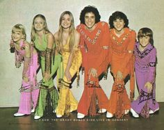 From TV Land's Twitter! Love the Brady Bunch!!