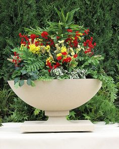 The Frank Lloyd Wright Allen House Planter Garden Urns, Garden Planters, Planter Pots, Planter Ideas, Frank Lloyd Wright Style, Stone Planters, Outdoor Pots, Flower Images, Container Gardening