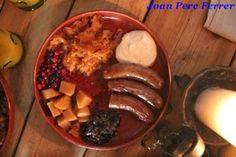 Embutidos Restaurante Olde Hansa Tallin #estonia http://www.pacoyverotravels.com/2013/10/donde-comer-en-tallin-restaurante-olde-hansa.html