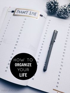 HOW TO START THE YEAR ORGANIZING YOUR LIFE?? It is a new year a new opportunity of grow and a chance to achieve your goals. My biggest resolution of this years is to organize my life in order to have clarity and efficiency to accomplish my outcomes.