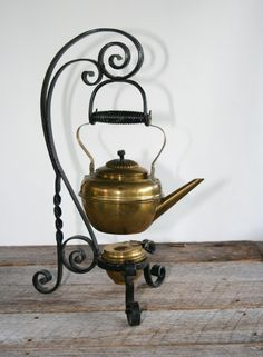 Antique Brass English Teapot & Burner on by CollectorsCoffer, $100.00
