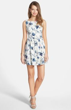 Free shipping and returns on En Crème Floral Print Fit & Flare Dress (Juniors) at Nordstrom.com. Embrace the spring awakening in this charming floral-print dress expertly tailored for a clean fit through the bodice and full A-line flare down the skirt.