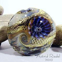 Astrid Riedel Glass Artist: 3 beads extravaganza