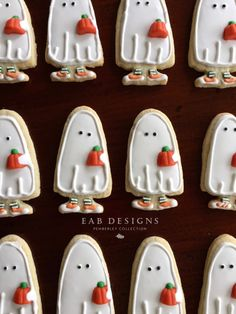 http://www.eabdesigns.typepad.com #halloween #cookies #ghostcookies #sugarcookies #royalicing #halloweencookies